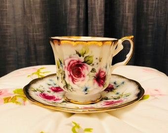 Elizabethan fine bone china teacup and saucer from 1960's. made in England