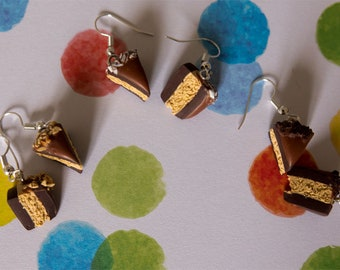 Dangle earrings - caramel sauces cake with nuggets