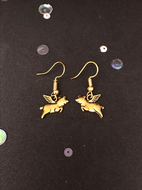 Vintage Style Dangly Charm Earrings Intricate Gold Dove Earrings Christmas Earrings