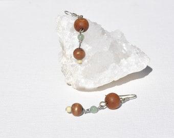 Wooden bead & green bead silver earrings