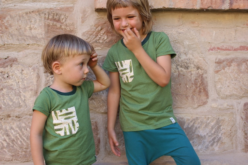 T-shirt green striped for boys and girls  with bag  image 0