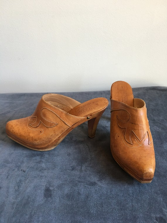 1970's Vintage Upstated Tooled Leather Clogs - US