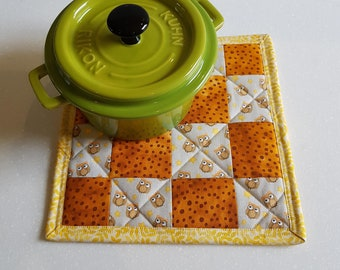 Hot pad. Fabric Trivet. Patchwork Hot Pad. Kitchen decor. Quilted Hot Pad. Owl Hot Pad.