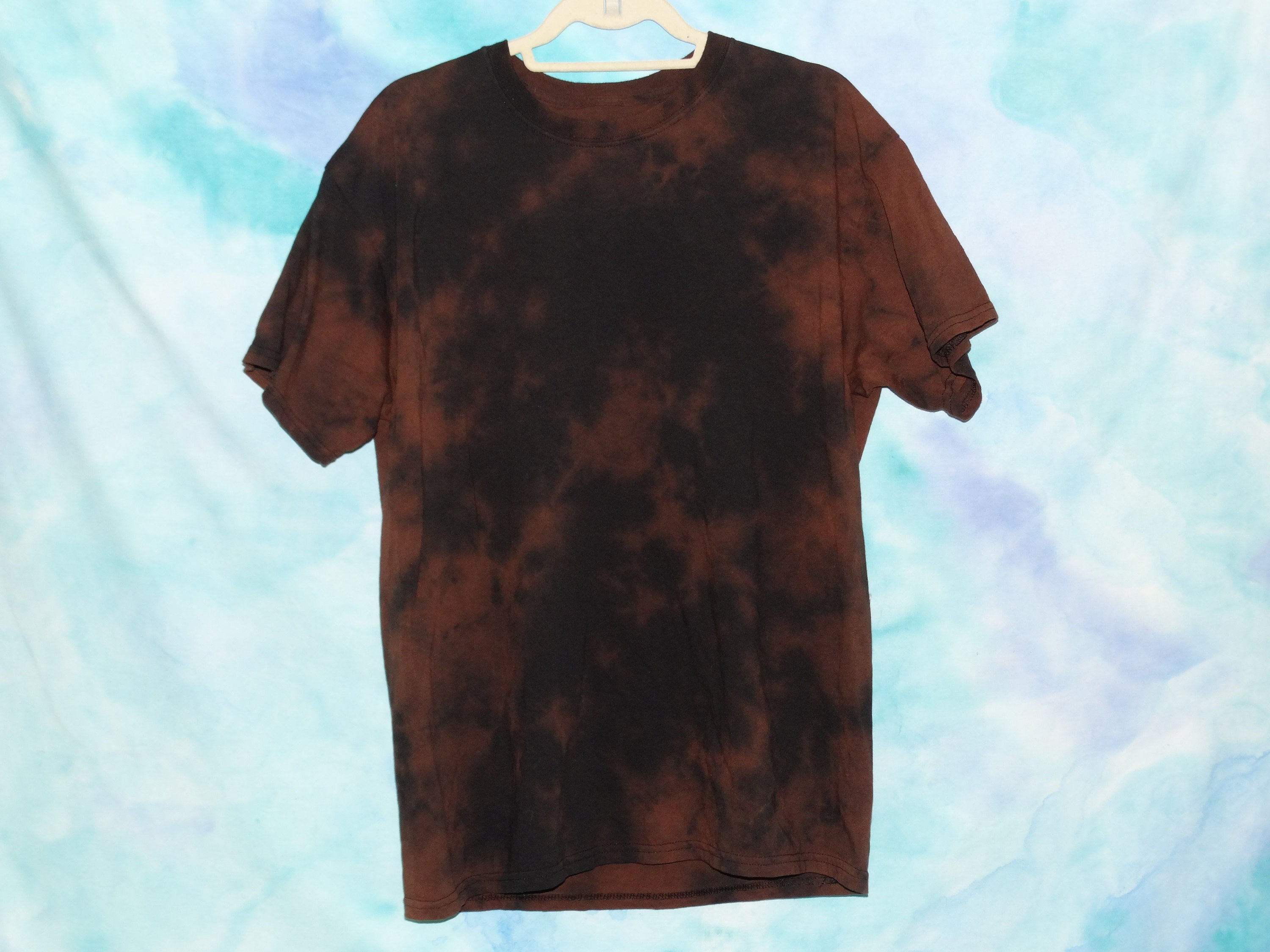 How to tie dye shirts with bleach