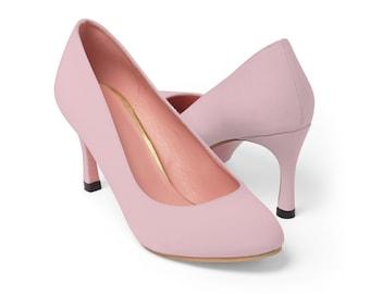 3b5e7e293bfd Pale pink shoes