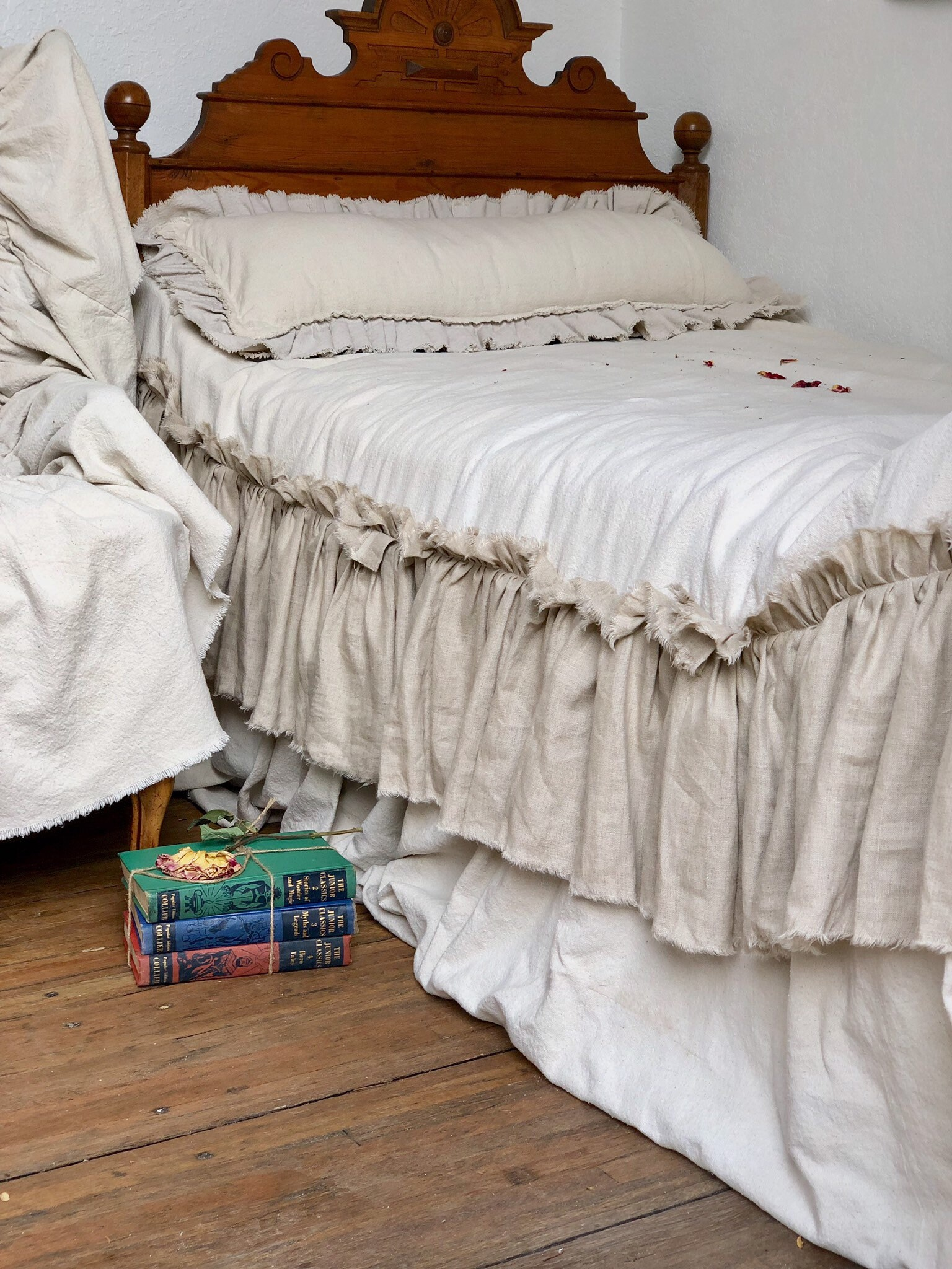 Canvas Linen Custom Bed Cover, Bedspread, Skirted Coverlet,Ivory White  Beige With Ruffles Dust Ruffles Farmhouse Shabby Chic French County