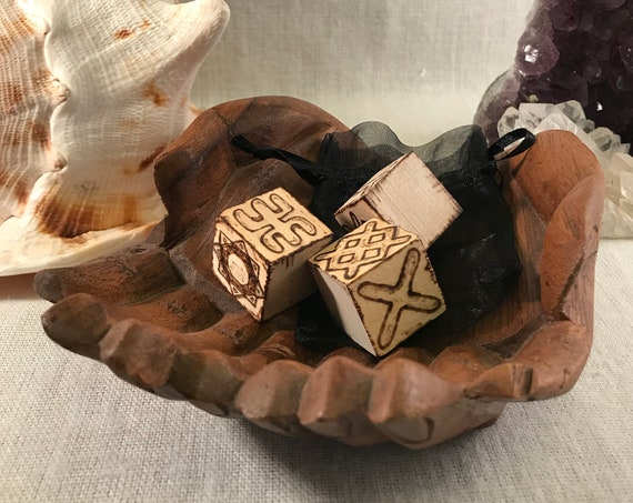 Set of 3 Rune Dice, Wood Burned Divination Dice, Altar Tool, Divination Dice