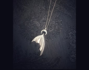 """Necklace """"BATWINGS moon"""" silver bats gothic"""