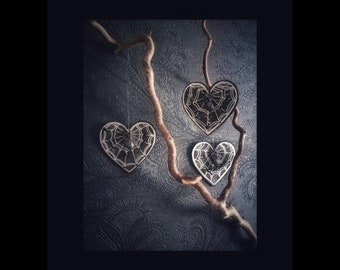 "Decor ornaments ""COBWEB HEARTS"" set 3 pieces gothic home decor wood cobweb skull halloween coffin christmas x-mas"