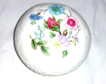 English Fine Bone China Floral Trinket Box Aynsley Wild Tudor Octagonal Hinged Trinket Box with Gold Tone Clasp Hinged Jewelry Box