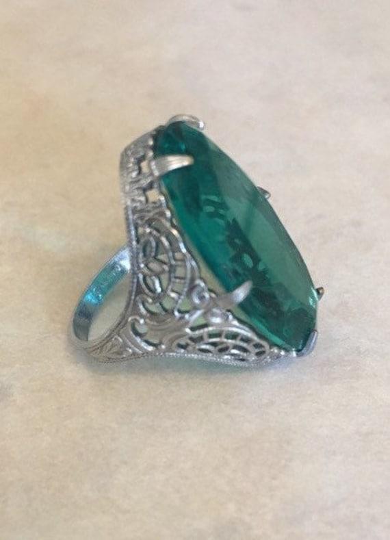 Art Deco Emerald Green Paste Ring