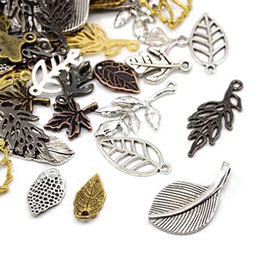 Christmas Charm//Pendant Tibetan Antique Silver 5-40mm  30 Grams Accessory Crafts