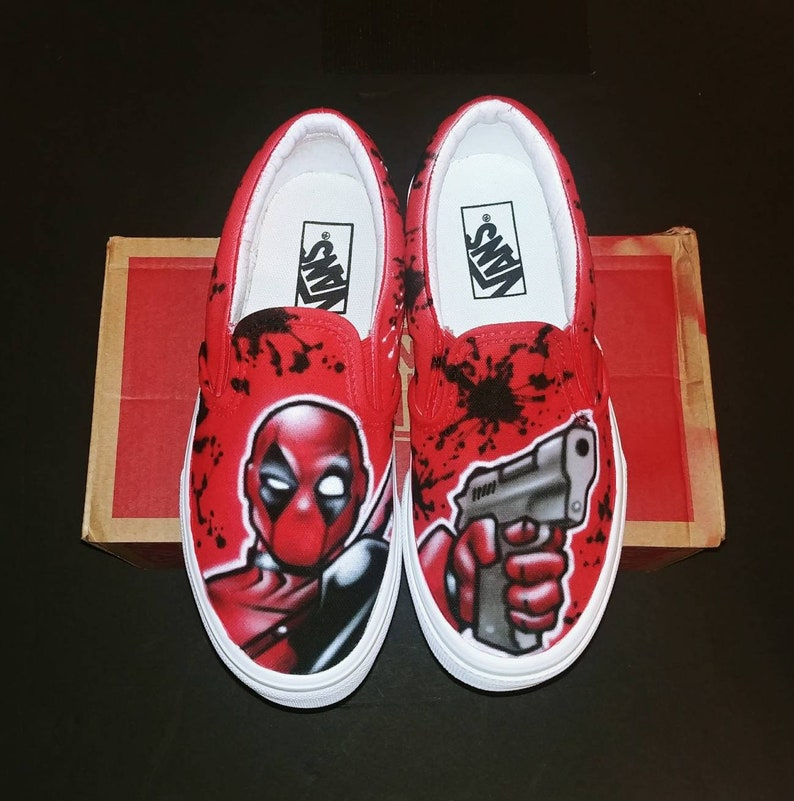 bce39de175d5a5 Airbrush Deadpool shoes