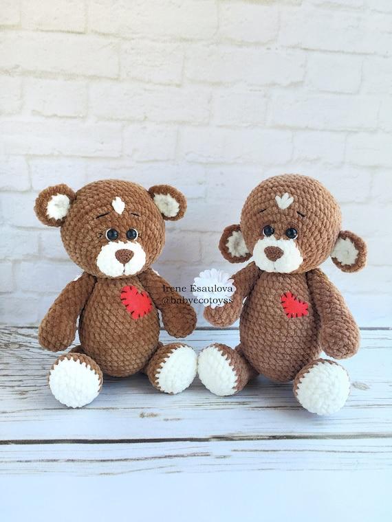 Crochet bear amigurumi pattern | Amiguroom Toys | 760x570