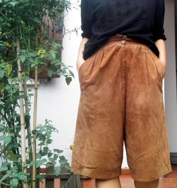 80s High Waisted Leather Vintage Bermuda Pants / L