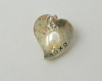 Sterling Silver Curvy Heart Pendant Textured xoxo Hugs Kisses Pearl