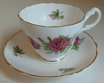 Vintage Regency Bone ChinaTea Cup & Saucer - red rose pattern