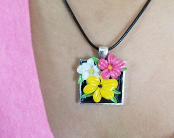 Vibrant tropical flower necklace and earring set
