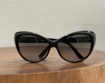 88dc8e04ad91a Black Gucci Cat Eye Sunglasses