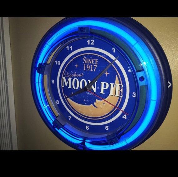 Moon Pie Baker Diner Kitchen Store Advertising Retro Blue Neon Wall Clock  Sign