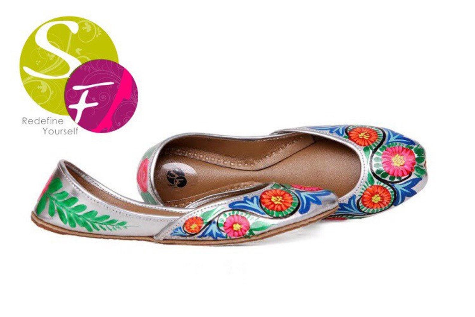 truck art handpainted women flat shoes ballet flats handpainted khussa juti ethnic painted shoes handpainted mojari indian jutti