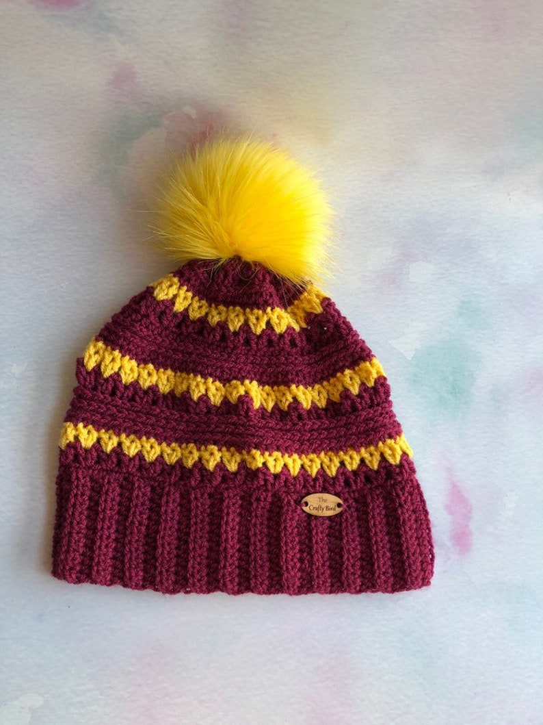 423434dc97a Adult Harry Potter themed Gryffindor wooly winter bobble hat