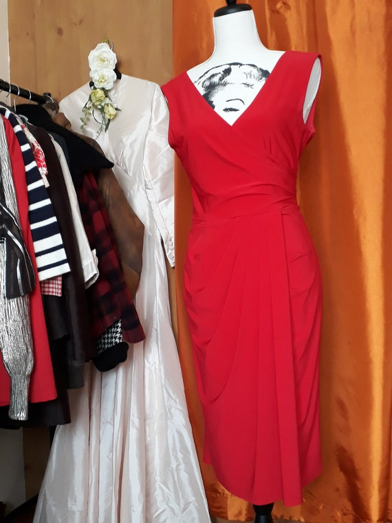 Wiggle dress, glamour, pencil dress