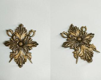 Lady Alcina Dimitrescu pendant