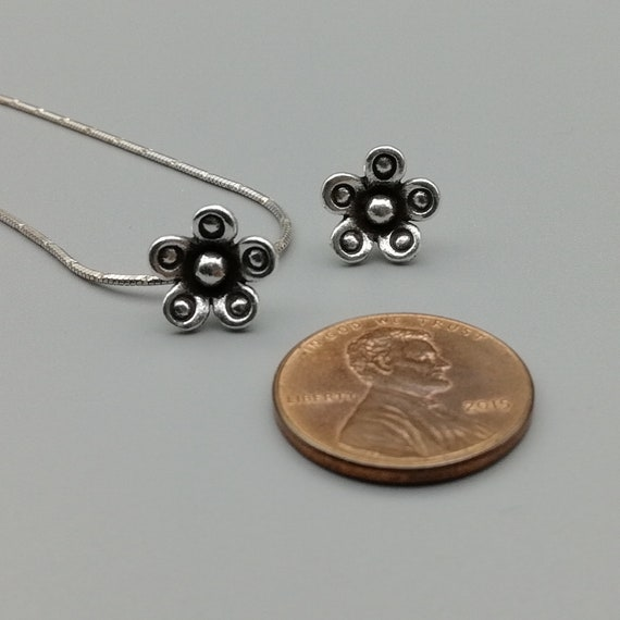 KC51 97 Percent Sterling Silver Hill Tribe Charms 2 Sterling Silver Flower Charms