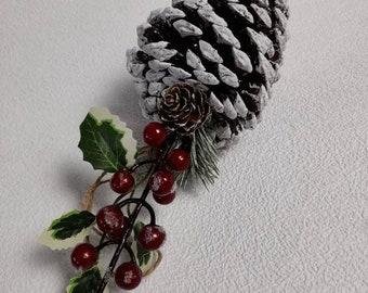 Christmas wreath, wreath decorations, Xmas home decor, large pine cone, snow pine cone, home decor, hanging decor, berry, pine cone
