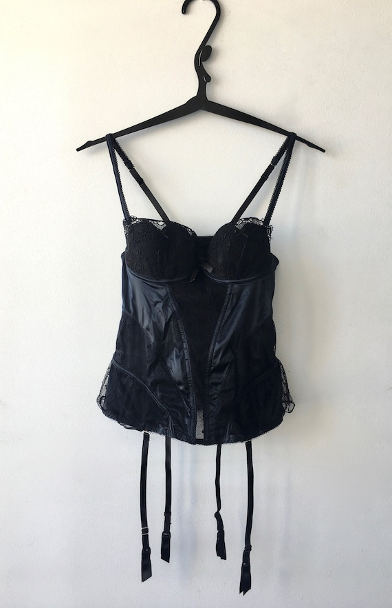 PRELUDE Fitted lace and satin black corset by Prel