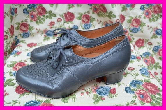Vintage grey molières, oxford shoes, lace-up, Form