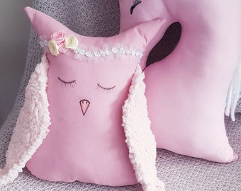 Little Miss Owl cushion