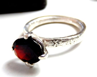Sterling silver garnet set ring