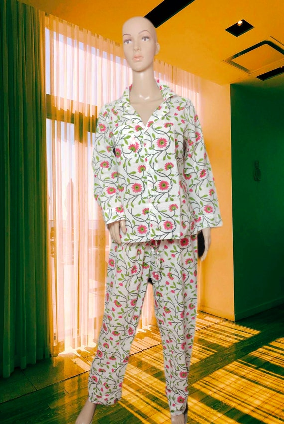 Hand Block printed Cotton Nightwear For women .100/% Natural cotton fabric cotton pants and Shirt and bag. Made with Organic cotton Fabric