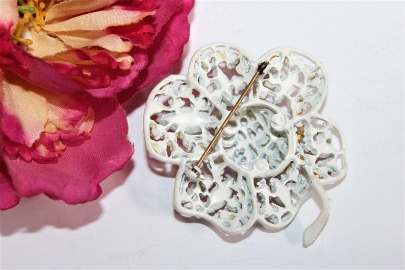 Vintage White Enamel Pink Green Blue Pastel Flower Brooch BU21