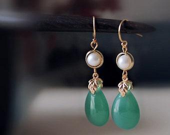 Green agate droplets earrings