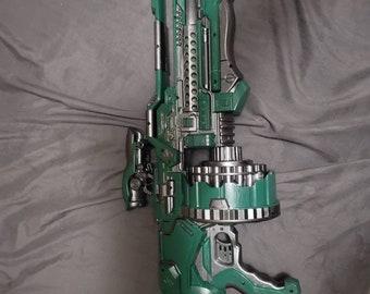 Halo inspired alien Nerf type Blaster.