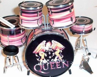 Roger Taylor QUEEN miniature drum kit