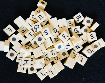 TRAVEL SCRABBLE ~ HARD CASE ~ SPARE CLIP IN LETTER TILES