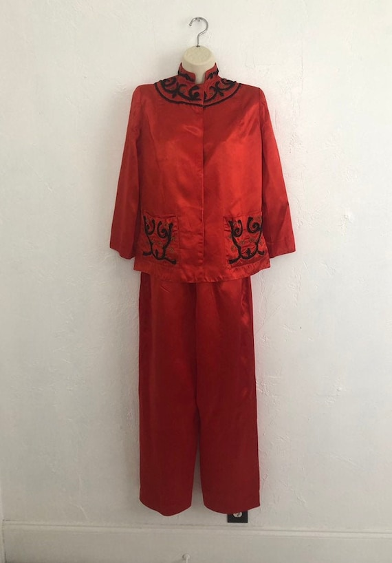 1940's Yarn Embroidered Red Satin Lounge/Pajama Se