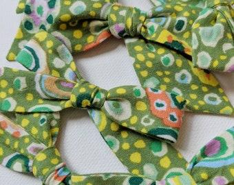 Green Confetti Bow
