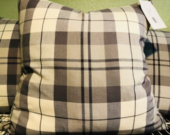 Scotland lover pillows in a grey and white plaid