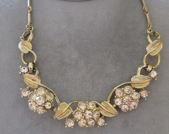 Vintage Rhinestone Necklace in Gold tone