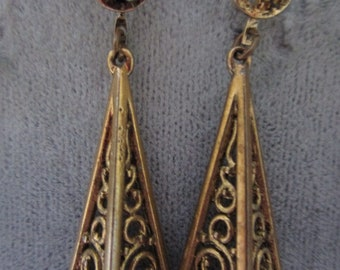 1 Pair of  Gold tone Dangle Earrings