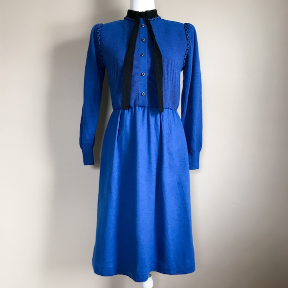 80s Blue and Black Ribbed Sweater Dress with Neckt