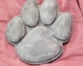 Large Paw Print Stepping Stone