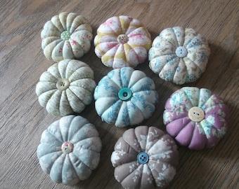 YOYOS flowers Pincushion