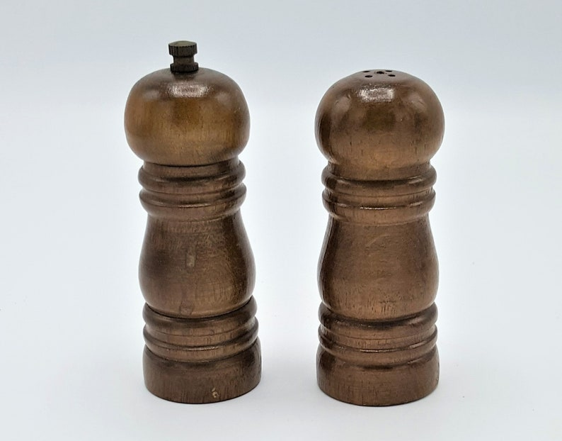 12e54cf92289 Wood Salt and Pepper grinder set Vintage wood salt and pepper | Etsy