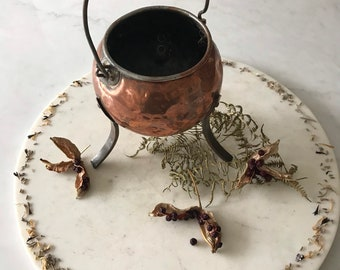 Old Witches Vintage Copper cauldron, Beaten and battered about, but absolutely gorgeous! Full of character and charm.